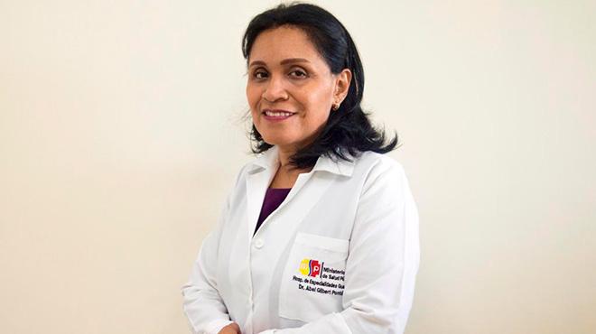 Glenda Aguilera, l�der de Dermatolog�a HAGP.