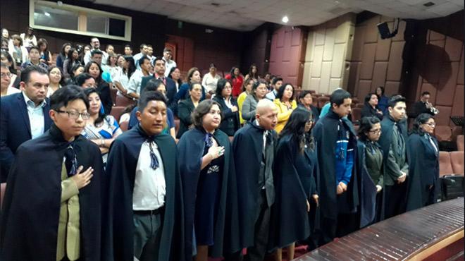 Ceremonia de graduaci�n en el HCAM.