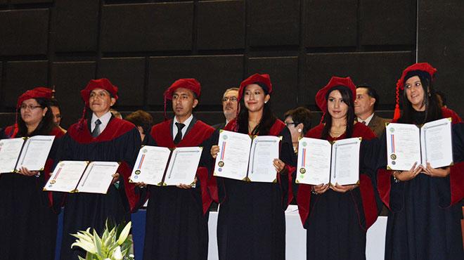 Egresados de  la Facultad de Ciencias Médicas de la Universidad Central.