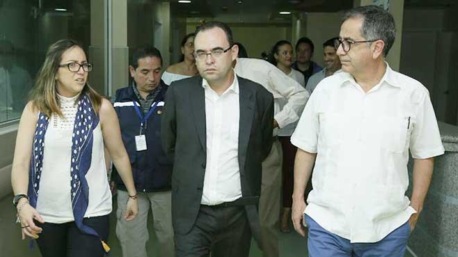 Ver�nica Espinosa, Manolo Rodas y Augusto Barrera.