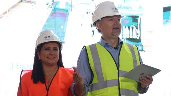 Geovanna León y Richard Espinosa del IESS.