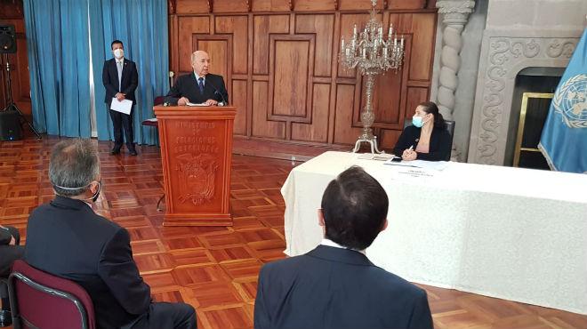 Ministro de Relaciones Exteriores, Luis Gallegos.