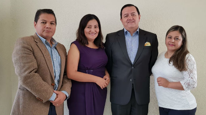 Xavier Saeteros, Tania Chimbo, Fabricio Gonz�lez, Nelly B�ez.