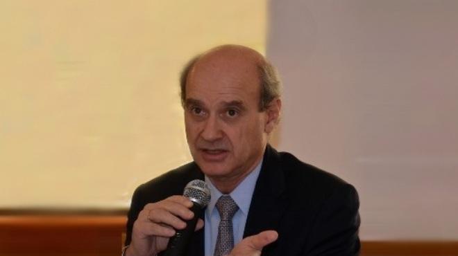Jos� Luis Ca�adas, director m�dico de Roche Ecuador.