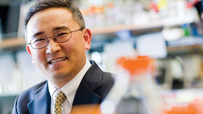 Jae Jung, director del Departamento de Microbiolog�a Molecular de la Escuela Keck.