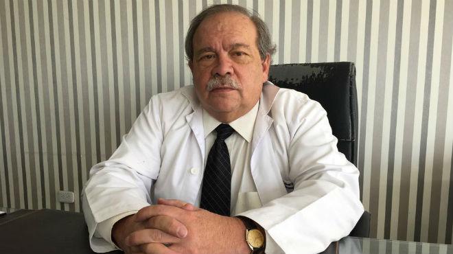 Eduardo Larrea, neum�logo.
