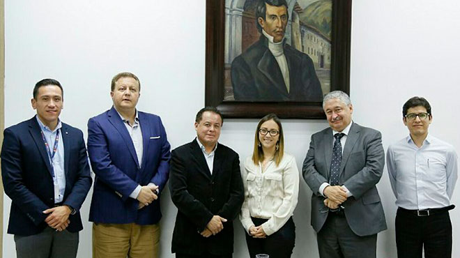 Carlos Cisneros, Rafael Vizcarra, Rodrigo Gallegos, Ver�nica Espinosa, Juan Pablo Grijalva, Carlos Dur�n.