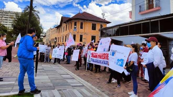 Manifestación frente a la Asamblea Nacional.