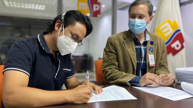 Firma del primer contrato de SP7.
