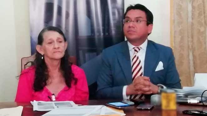 Rosa Lascano y Juan Pazmi�o.