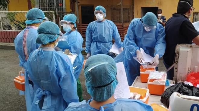 Los profesionales de salud se han contagiado como consecuencia de su trabajo y la falta de EPP.