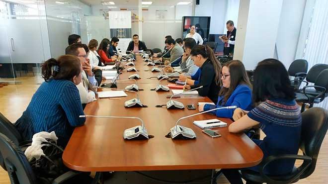 Representantes de instituciones gubernamentales y asociaciones de m�dicos que conformar�n las 4 mesas de trabajo.