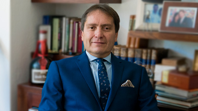 Michele Ugazzi, director del posgrado de Cirug�a Pedi�trica de la USFQ.