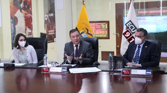 Ximena Garz�n, Juan Zapata, Patricio Donoso.