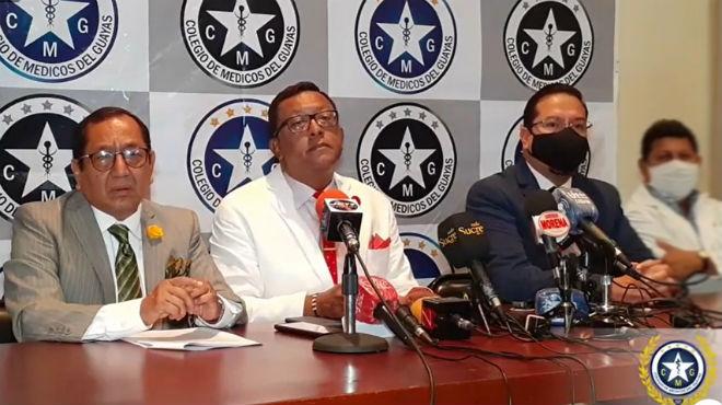 Pedro Cruz, abogado del CMG; Presidente del CMG, Wilson Tenorio; Hern�n Ulloa, vocal del CPCCS.