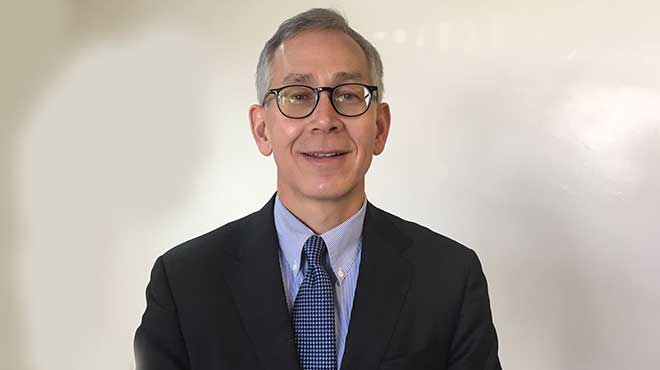 Scott Okuno, especialista de Mayo Clinic.