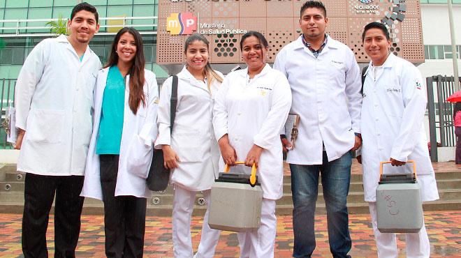 Campa�a de vacunaci�n nacional se realiza en varias provincias.