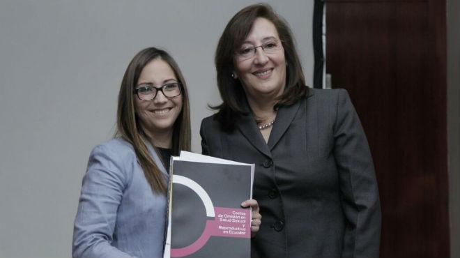 Ver�nica Espinosa y Mary Cabrera.