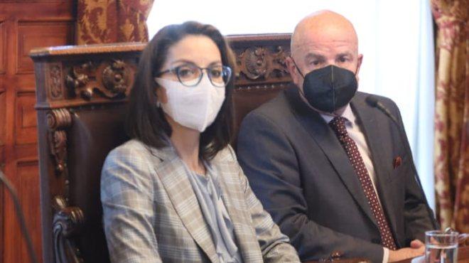 Ximena Garz�n y Alfredo Borrero, en reuni�n en el Palacio de Gobierno.