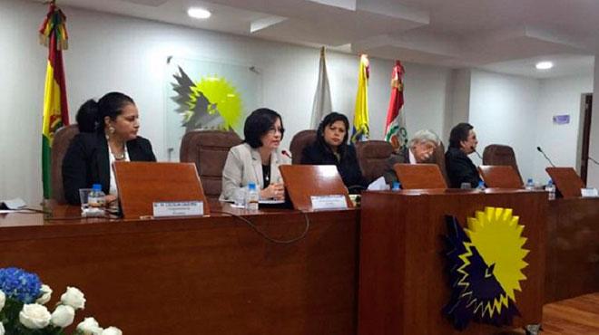 Ministra de Salud de Ecuador, Margarita Guevara.