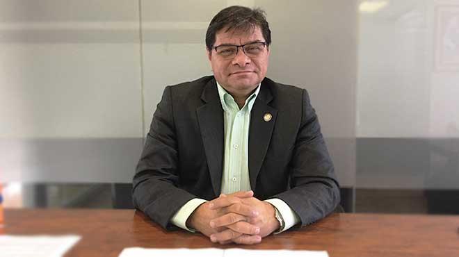 William Garz�n. presidente de la Comisi�n de Salud