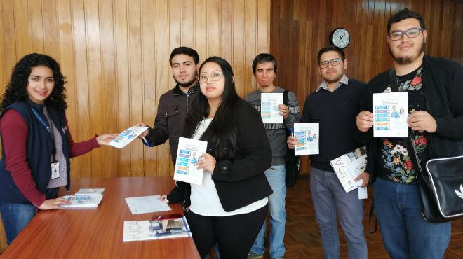 Este servicio est� dirigido a profesionales de salud ecuatorianos y extranjeros.